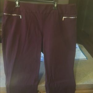 New York and Company Pull on Pants